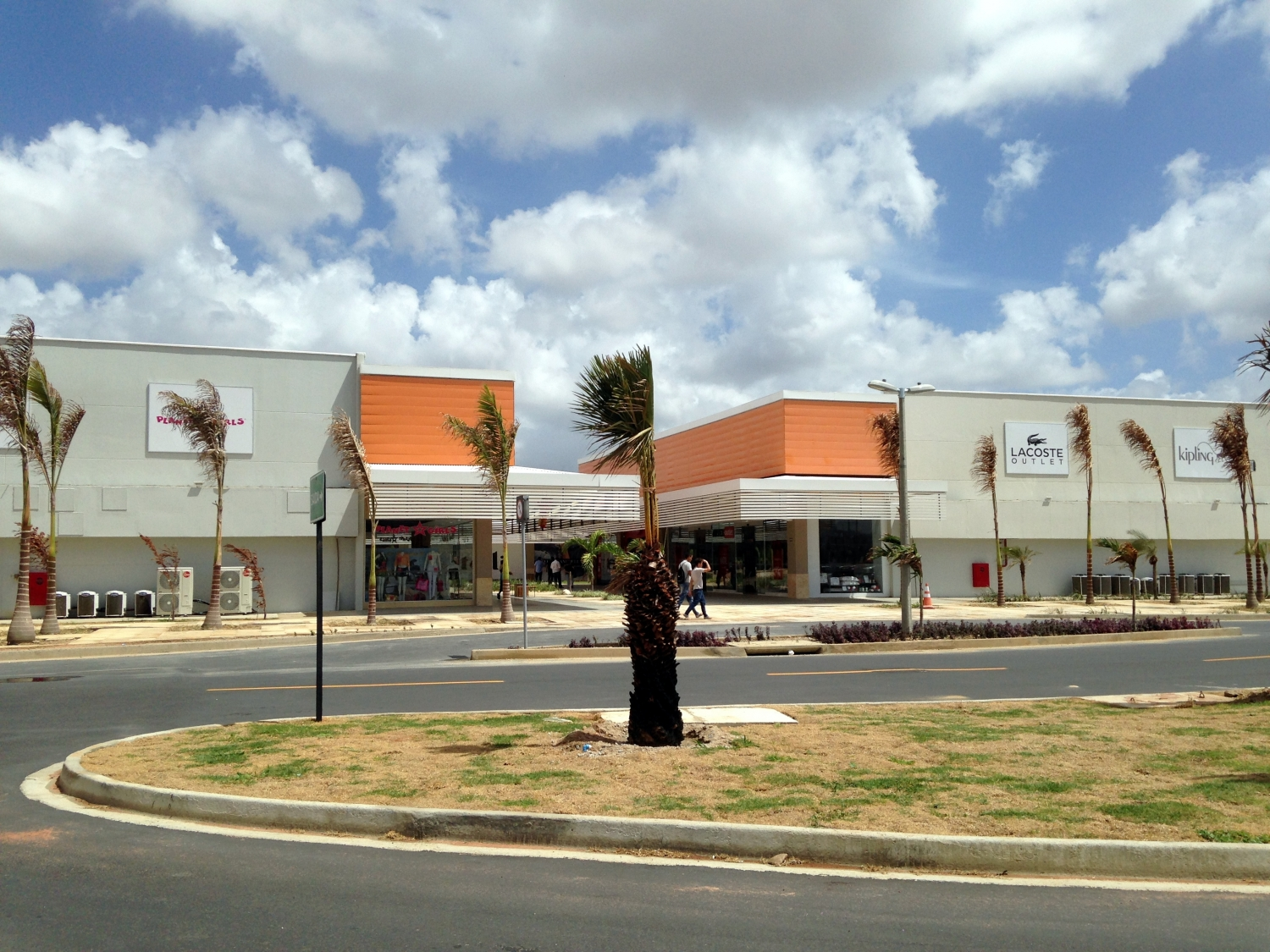 Off outlet fashion fortaleza o primeiro outlet do cear for Fashion outlet